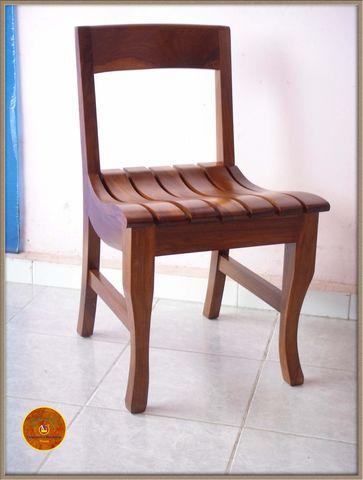 Silla para ante comedor en madera de xochicuahuitl for Sillas madera maciza para comedor